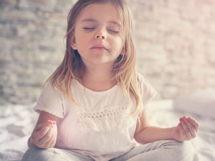 Méditation yoga enfant