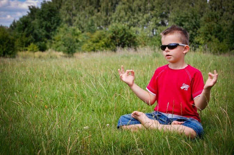 enfant meditation pleine conscience