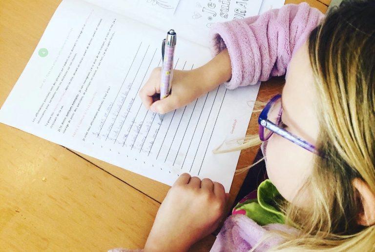 1 enfant sur 2 est touché par le stress, je vous propose un cahier de développement personnel pour enfant: zen, growth mindset, etc.