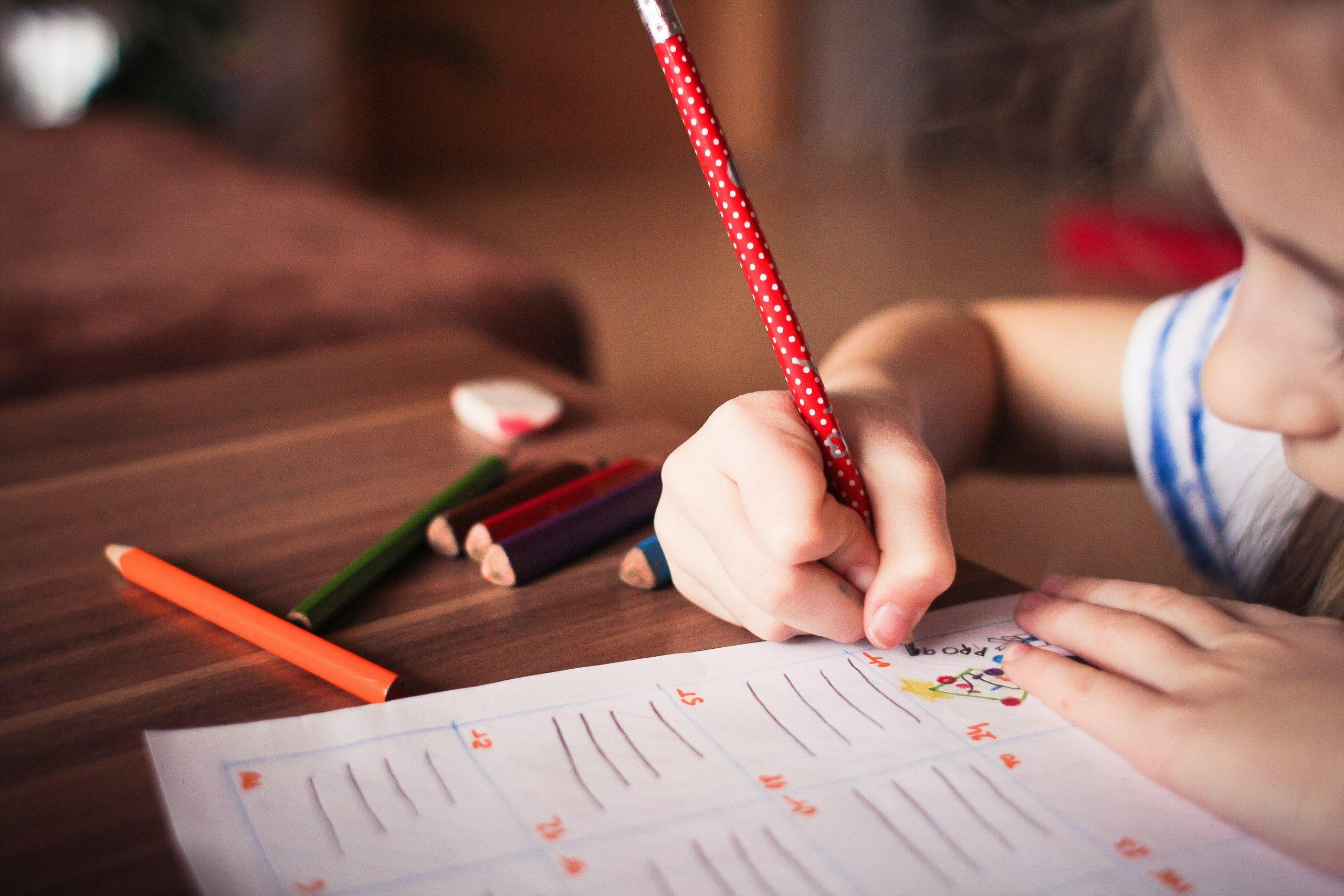 Ecrire une lettre de gratitude enfant, un exercice de développement personnel puissant (téléchargement PDF)