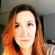 Anaïs Alliot, créatrice du blog grandirzen.fr et des outils et cahiers pour enfant